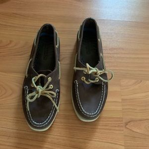 Brown Sperry Top Siders
